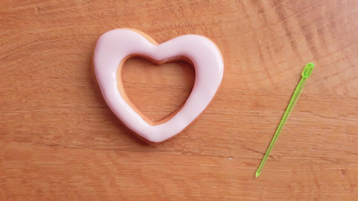 lukrowane ciasteczko w kształcie serca