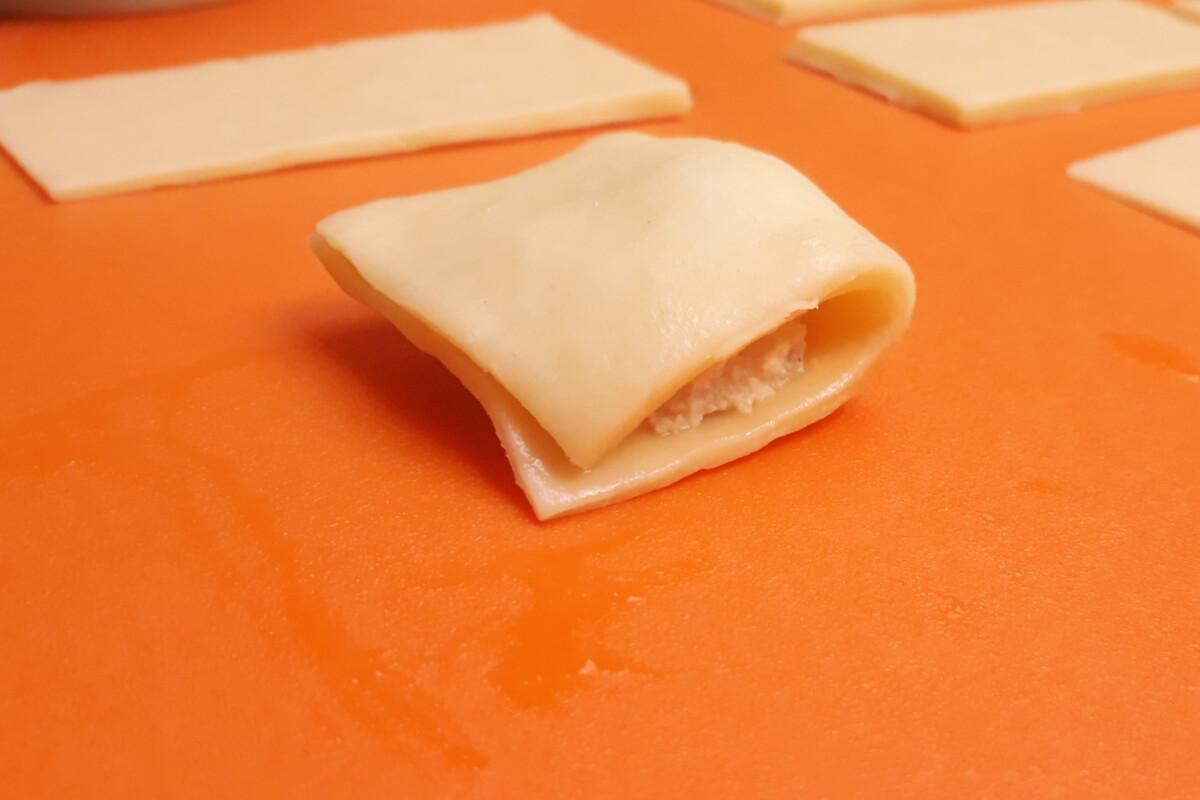 sklejanie faworków z nadzieniem ciasto mata silikonowa