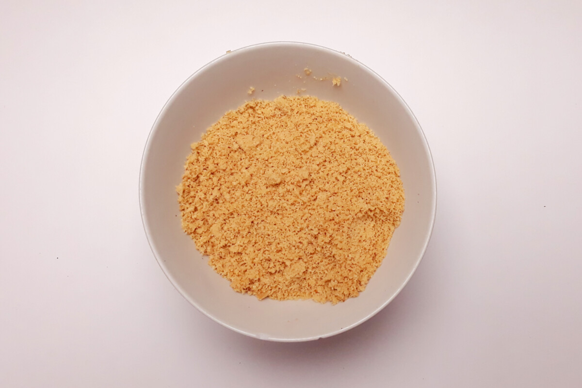 zmielone na mąkę orzechy laskowe