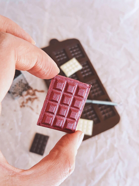 Jak łatwo temperować czekoladę i zrobić mini tabliczki czekolady? czekolada forma silikonowa do mini czekoladek