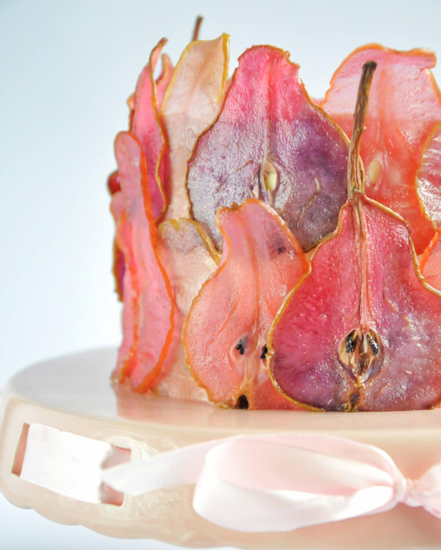 Jak zrobić kolorowe plastry gruszek do dekoracji tortu.