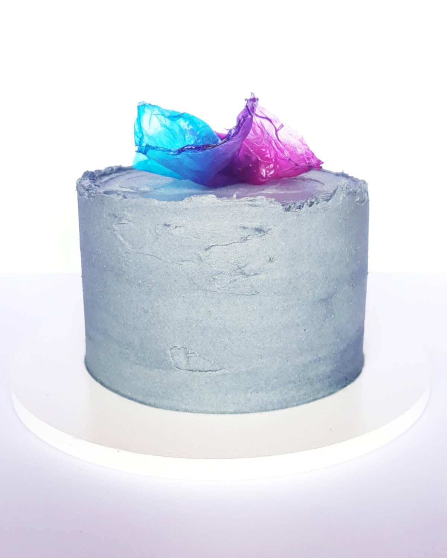tort ozdobiony zabarwionym papierem ryżowym, rice paper sail cake