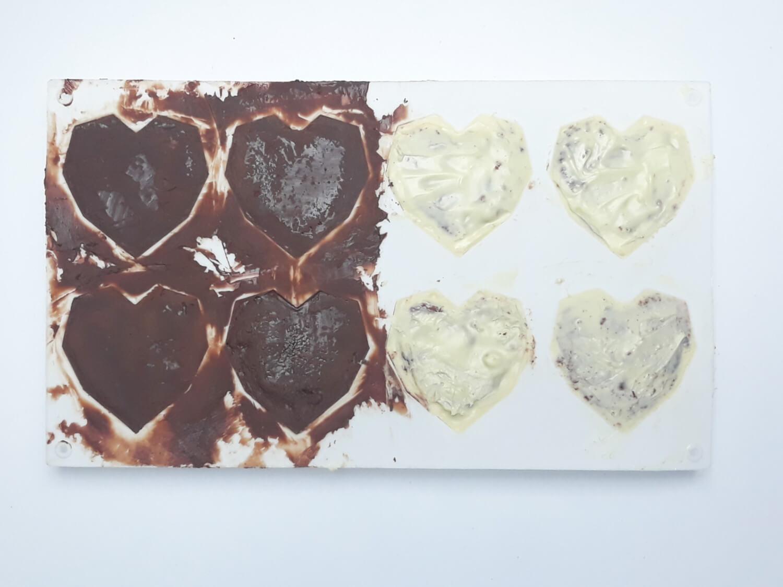 monoporcje w temperowanej czekoladzie gotowe do schłodzenia