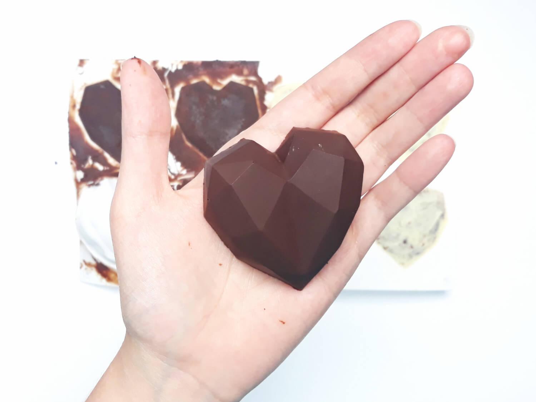 gotowe monoporcje w temperowanej deserowej czekoladzie