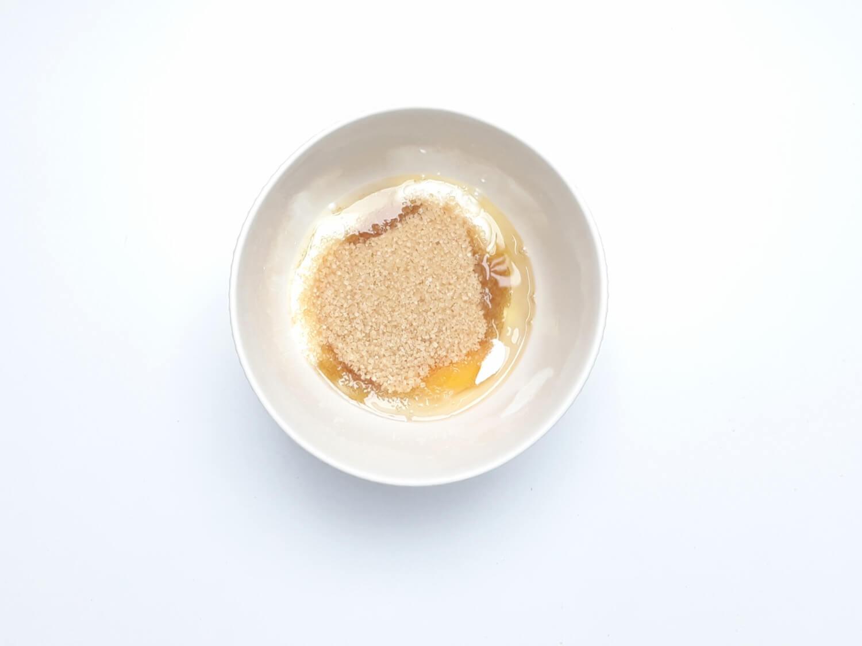 przygotowanie ciasta truflowego, łączenie składników