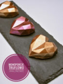 Truflowo-malinowe monoporcje w temperowanej czekoladzie