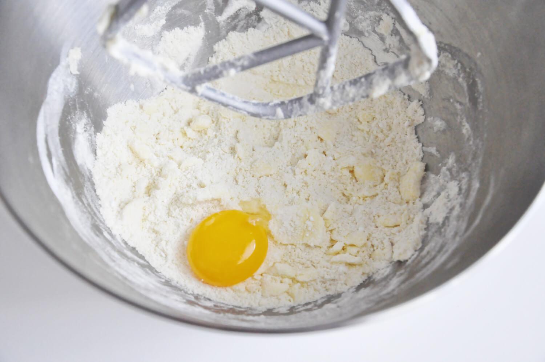 tarta kokosowa - przygotowanie ciasta kruchego