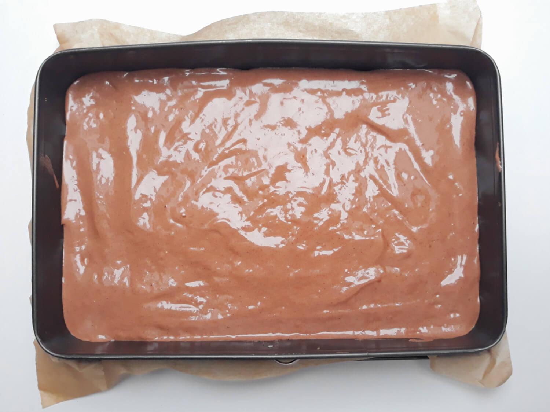 ciasto ze wzorem gotowe do pieczenia, Korzenna rolada dyniowa ze wzorem - deser na Halloween