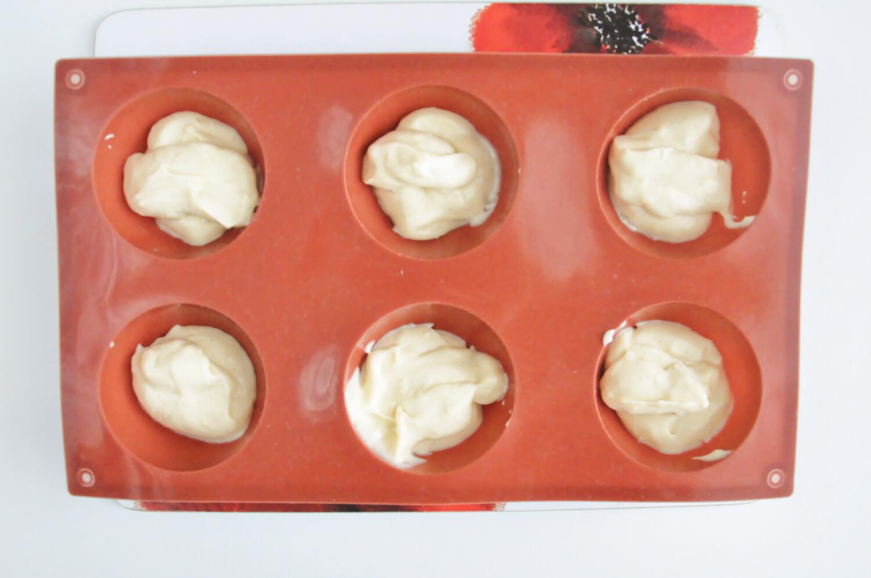 Czapki Mikołaja - składanie deseru, forma silikonowa na duże półkule