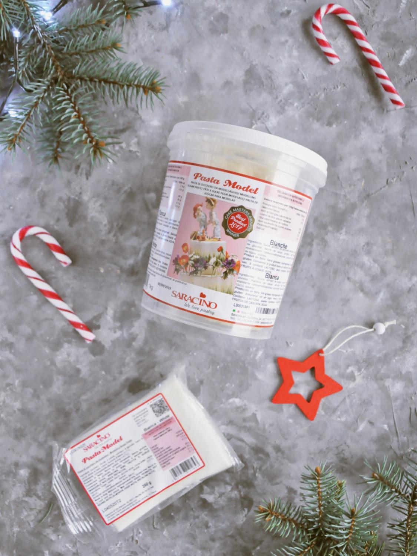 Poradnik prezentowy – prezenty dla torciar i fanek pieczenia - masa cukrowa saracino biała