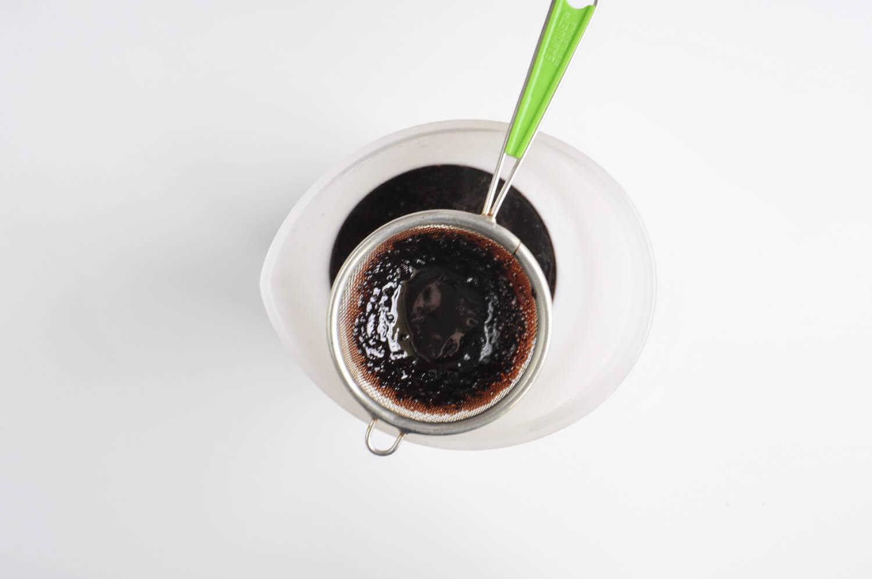przygotowanie kakaowej polewy lustrzanej