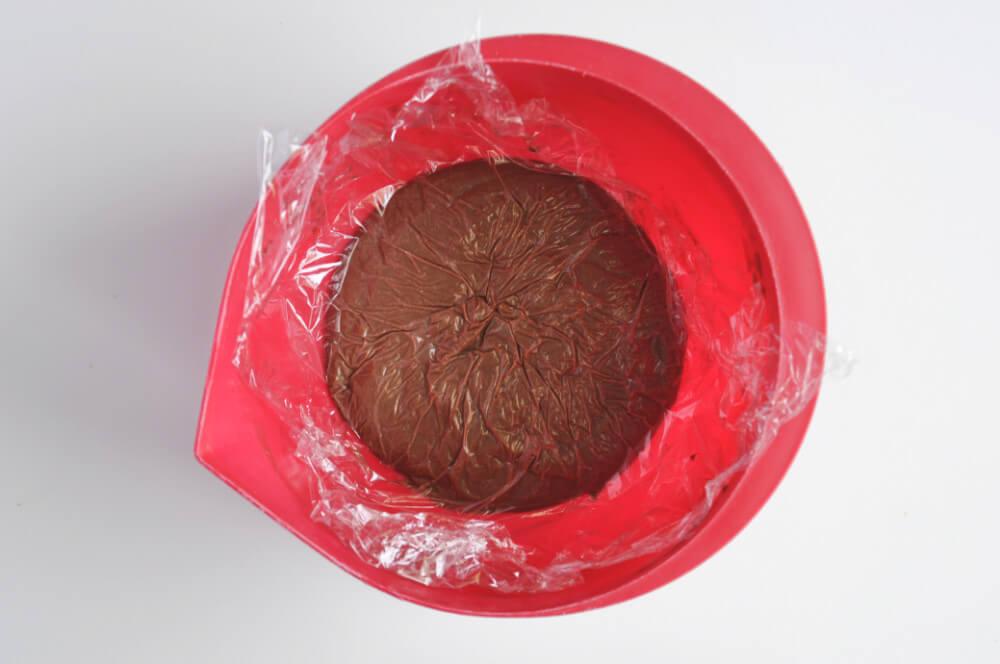 chłodzenie kremu budyniowego (creme patissiere) o smaku czekoladowo-orzechowym