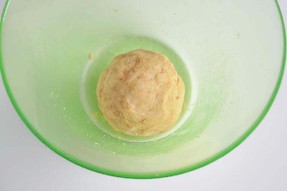 przygotowanie cytrynowcyh cake popsów
