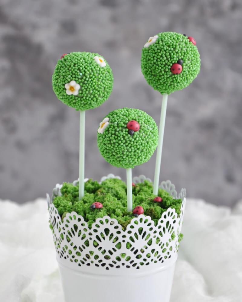 cytrynowe cake popsy w wiosennej odsłonie