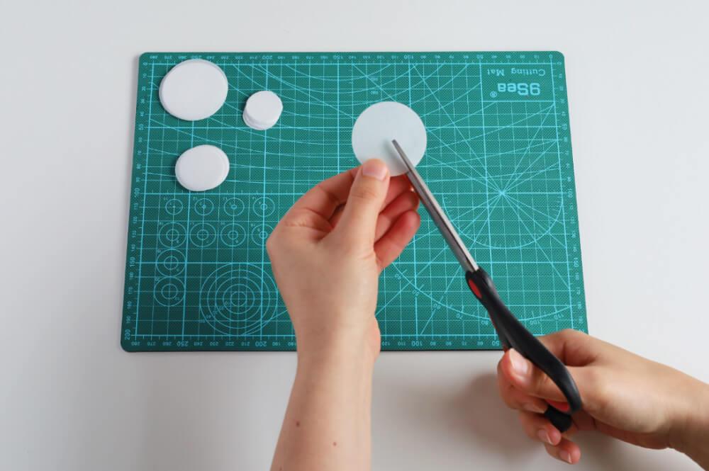 nacinanie kół z papieru waflowego