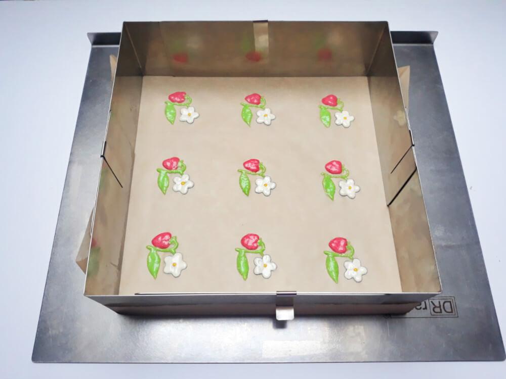 monoporcje ze wzorem - przygotowanie ciasta do pieczenia, rant do pieczenia ciast, papier do pieczenia, blaszka do ciast