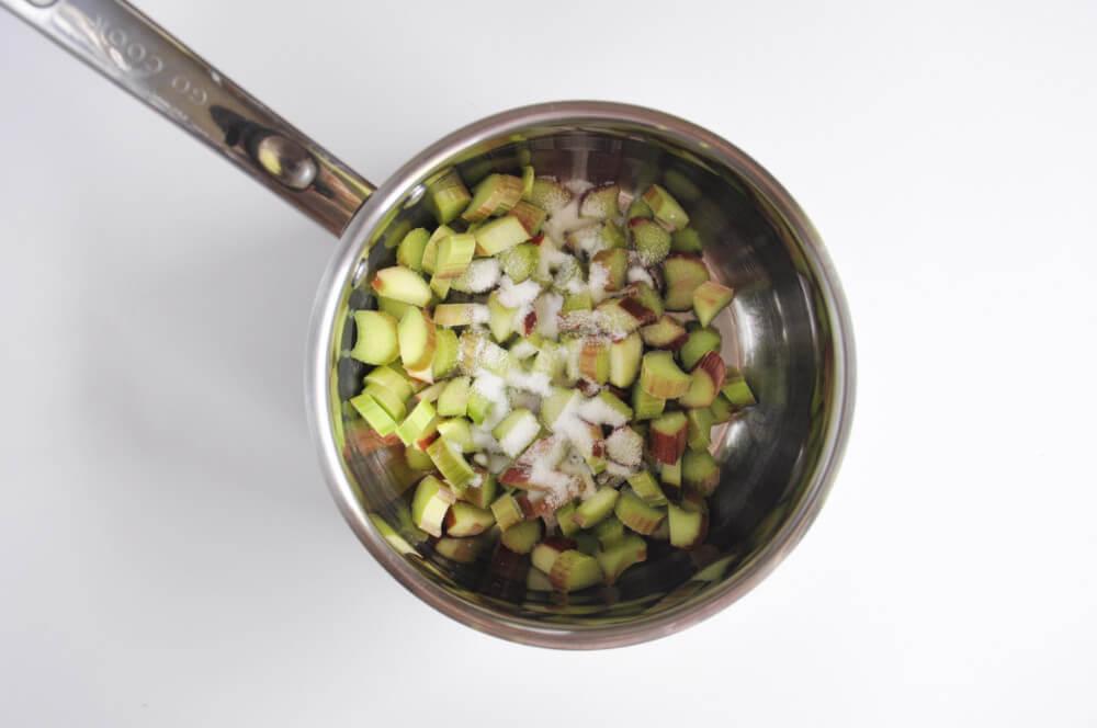 przygotowanie frużeliny z rabarbaru